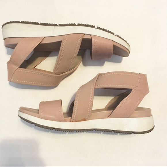 4c6cac96b376e1 M 5aff2817caab4488747328df. Other Shoes you may like. Naturalizer Sandals